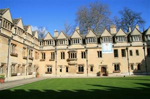 英国大学开发远程教学系统,帮助中国学生线上完成学位