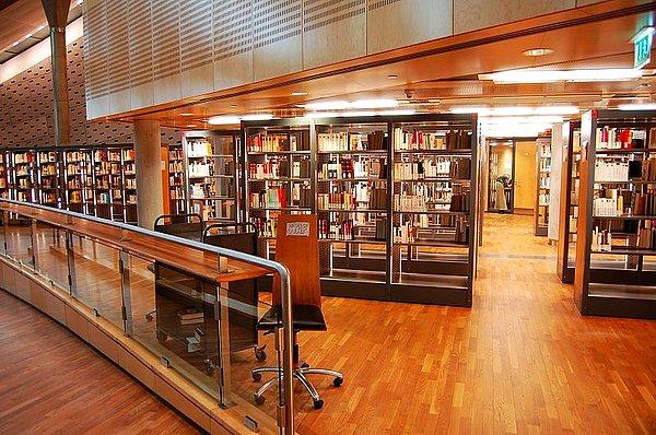 三,图书馆场景